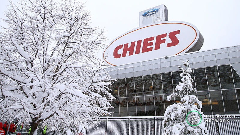 patriots-chiefs-odds-weather-forecast-over-under-rising-afc-championship